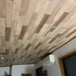 東京都八王子市のアパートにて、床リフォーム・天井クロス貼替工事を行いました!