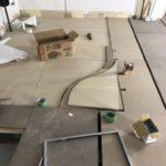 神奈川県秦野市の工場にて、置床工事を行いました。(フクビ化学工業フリーフロアCP)