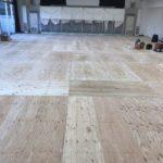 東京都品川区の幼稚園にて、ホール改修に伴う置床工事を行いました。