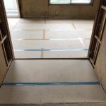 神奈川県横浜市旭区の団地にて、床リフォーム、置床工事を行いました。(フクビ化学工業フリーフロアCP)