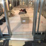東京都渋谷区恵比寿のクリニックにて、置床工事を行いました。(フクビ化学工業製フリーフロアCP)