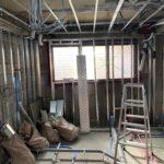 東京都品川区西五反田の理容室にて、置床、軽天・ボードの壁・天井工事一括請負工事を行いました。(フクビ化学工業フリーフロアCP)