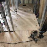 東京都江東区のマンションにて、置床工事を行いました。(フクビ化学工業フリーフロアCP)