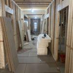 神奈川県戸塚区の新築介護施設にて、置床工事を行いました。(フクビ化学工業フリーフロアEP)