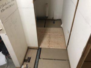 東京都品川区のマンションにて、置床工事を行いました。(フクビ化学工業フリーフロアCP)